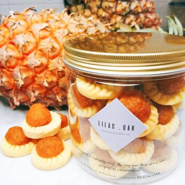 open-faced pineapple tarts from Liliac Oak
